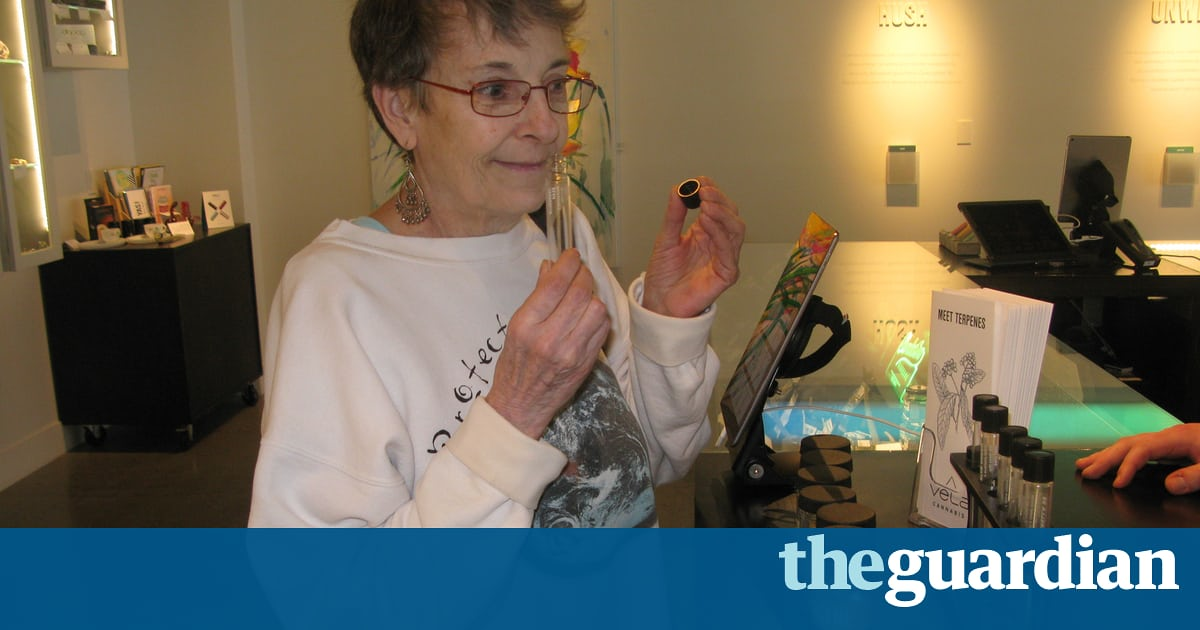 In Seattle US old-timers rediscover the high life on cannabis tours